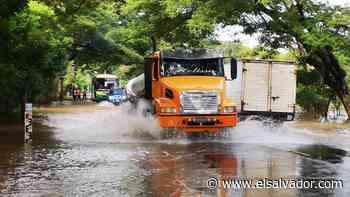 Crecida de río Grande de San Miguel genera inundaciones en el cantón La Canoa | Noticias de El Salvador - elsalvador.com