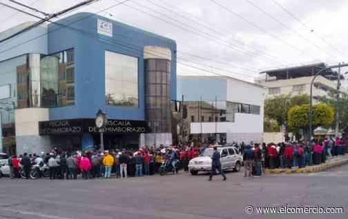 Delfín Quishpe rindió su versión en la Fiscalía de Chimborazo acompañado de comuneros