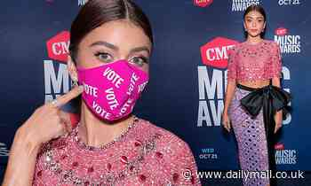 Sarah Hyland dons $35 Christian Siriano 'Vote' mask before co-hosting the CMT Music Awards