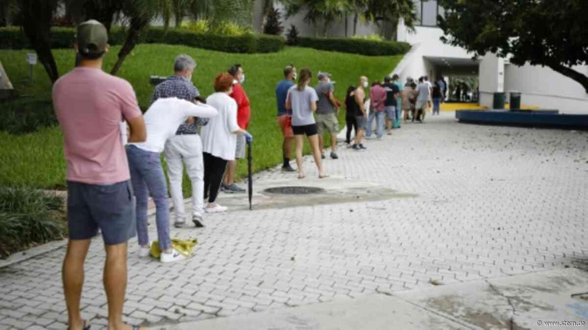 Lange Schlangen auch vor Wahllokalen in Florida - STERN.de