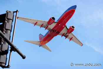 Southwest Airlines posts biggest-ever loss as coronavirus slams demand - CNBC