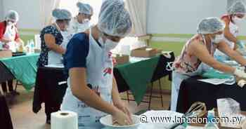 Mujeres de Bella Vista aprenden a elaborar postres de yerba mate - La Nación
