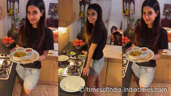 Diana Penty shows how she beats the 2 am cravings amid on-going COVID-19 pandemic