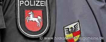 Unbekannter Autofahrer stößt in Alfeld gegen parkenden Golf - www.hildesheimer-allgemeine.de
