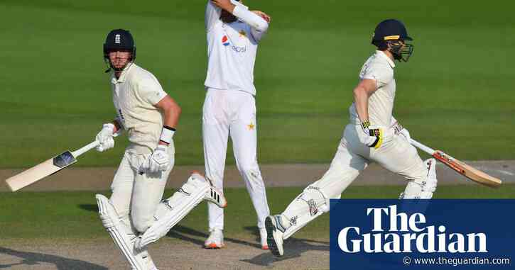 England cricketers' win bonuses set to be slashed by half in ECB cuts