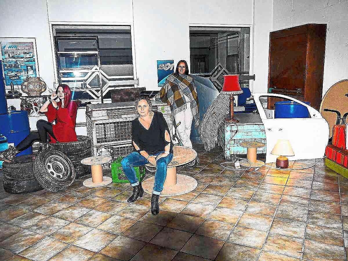 """Triberg/Hornberg: Triberger Regisseur veranstaltet einen """"Zicken-Zirkus"""" auf dem Schrottplatz - SÜDKURIER Online"""