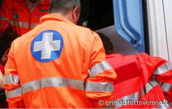 Incidente a Mozzecane: un'auto si scontra con una moto, una persona ferita - Prima Verona