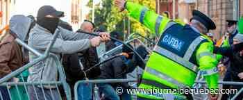 Irlande: la police arrête onze personnes manifestant contre le reconfinement