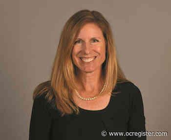 Cal State Fullerton softball coach finds balance in coaching, motherhood - OCRegister