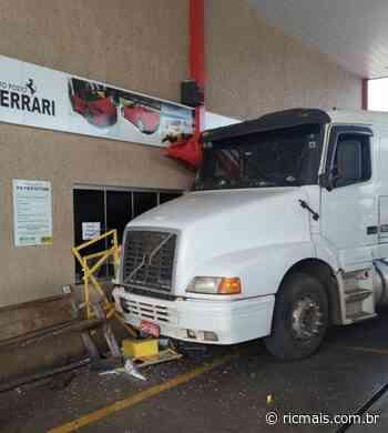 Motorista de Porecatu morre atropelado pelo próprio caminhão em Florestópolis - RIC Mais Paraná