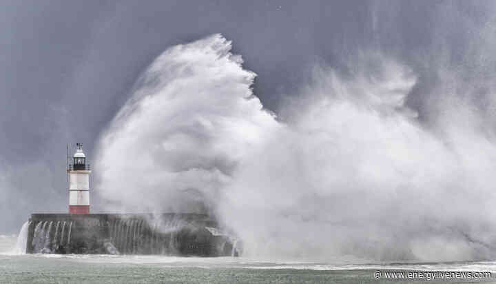 Met Office: Future weather extremes in the UK 'may break new records'