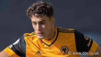 Max Kilman signs new Wolves contract to 2025