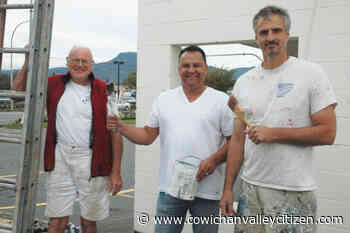 Duncan's Whistler Street sees a fresh lick of paint in opioid battle - Cowichan Valley Citizen