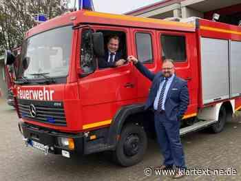 Zusammenarbeit: Gemeinde Rommerskirchen kauft Feuerwehr-Fahrzeug von der Stadt Korschenbroich   Rhein-Kreis Nachrichten - Klartext-NE.de