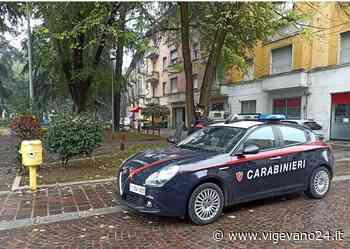Voghera: assembrati e senza la mascherina, multate cinque persone in piazza San Bovo - Vigevano24.it