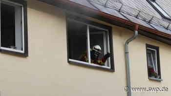 Brand Laichingen: Feuerwehr löscht Schwelbrand in der Decke - SWP