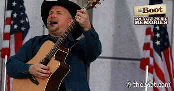 Country Music Memories: Garth Brooks Makes Country Music History
