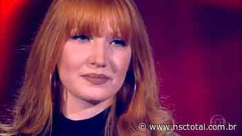 Daphne, de Blumenau, encanta jurados e avança no The Voice Brasil   NSC Total - NSC Total