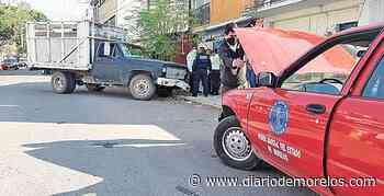 Se queda sin frenos y choca contra coche del TSJ en Jojutla - Diario de Morelos