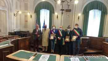 Valmadrera: gli Alpini consegnano la pietra di riuso al sindaco di Biella. Farà parte di un monumento - LeccoToday
