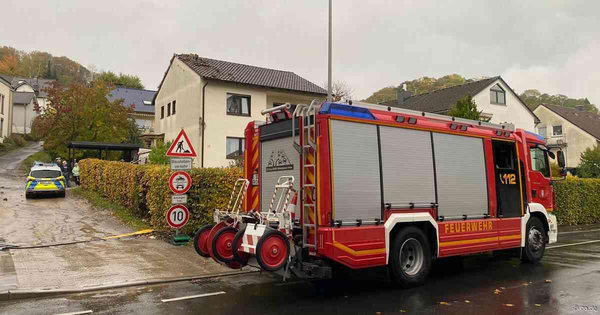 Blitzeinschlag in Siegburg-Wolsdorf: Dachziegel fielen in den Vorgarten - General-Anzeiger Bonn