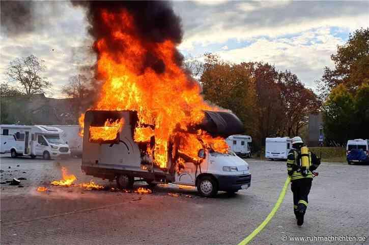 Feuerwehr-Großeinsatz am Solebad in Werne: Wohnmobil steht in Flammen - Ruhr Nachrichten