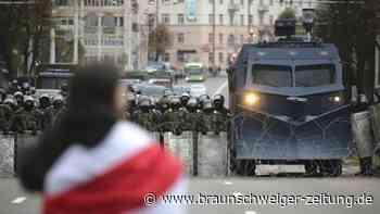 100.000 protestieren in Minsk: Polizei in Belarus setzt und Blend- und Lärmgranaten ein
