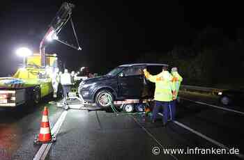 A9 bei Hilpoltstein: Mit Land Rover beladener Anhänger kippt auf Autobahn - hoher Schaden - inFranken.de