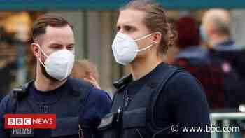 Coronavirus: Berlin breaks up 600-strong party over Covid - BBC News