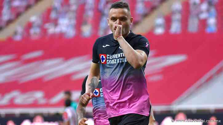 Video: Penal y gol 'Cabecita' Rodríguez para el 1-0 de Cruz Azul ante Chivas
