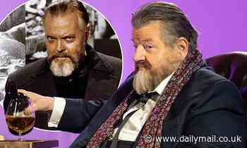 Harry Potter star Robbie Coltrane transforms into Orson Welles
