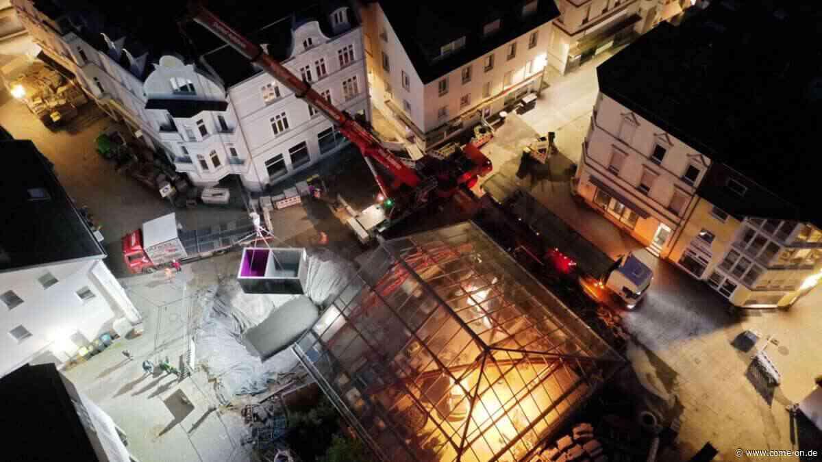 Technikschächte für 800 000 Euro teure Wasserspiele in Plettenberg eingesetzt - come-on.de