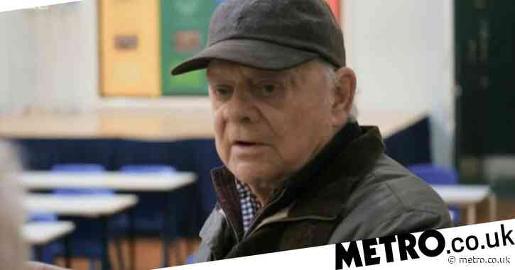 Sir David Jason reveals beautiful way he found his stage name as he returns to his old school