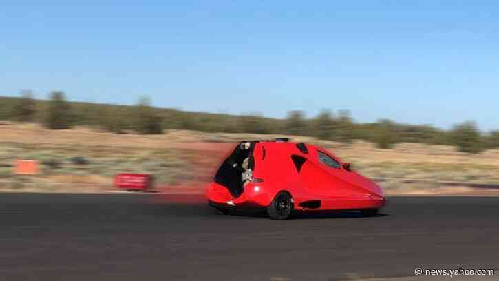 Flying car achieves 88 mph takeoff speed — no flaming tire tracks, though