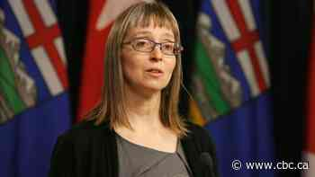 Alberta's new cases of COVID-19 set daily record of 572 over weekend