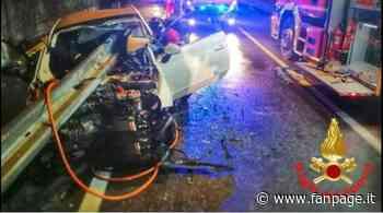 Incidente a Oggiono, guard rail trafigge un'auto e sfiora la conducente: salva 24enne - Fanpage.it
