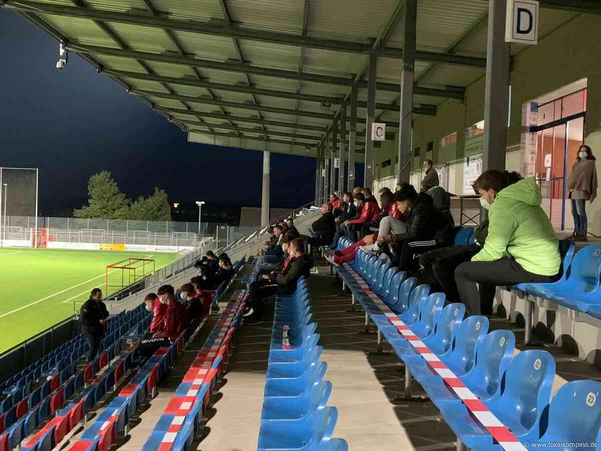 Unter ungewöhnlichen Bedingungen: Detlev Remmers ist Jugendleiter beim 1. FC Kleve - Kleve - Lokalkompass.de