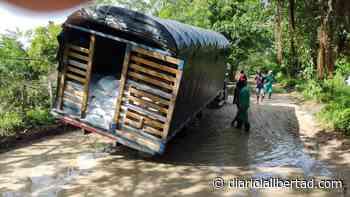 Colapso de vía en Polonuevo por vehículos de tracción pesada - diariolalibertad.com