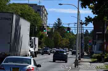 Troy closes 15th Street for tree removal
