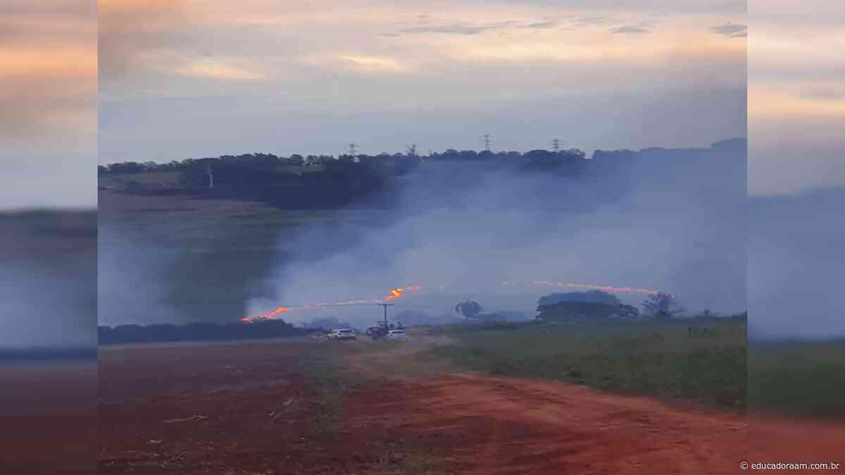 Educadora AM - Bombeiros combatem incêndio no Bairro do Jaguari, em Limeira - Educadora