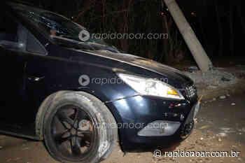 Poste é derrubado no anel viário de Limeira após colisão de veículo em alta velocidade - Rápido no Ar