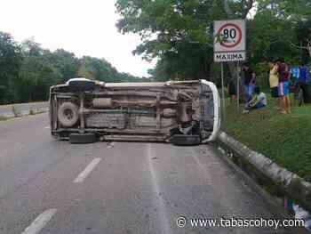 Se registra volcadura de camioneta en la carretera Huimanguillo-Cárdenas - tabasco hoy