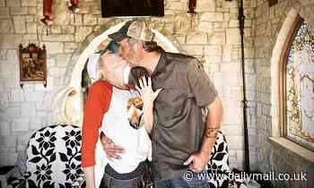 Gwen Stefani and Blake Shelton are engaged! The pop star and country crooner are set to wed