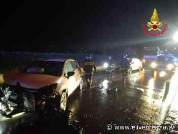 Nuvolento, scontro frontale tra due auto, tre le persone coinvolte - elivebrescia.tv