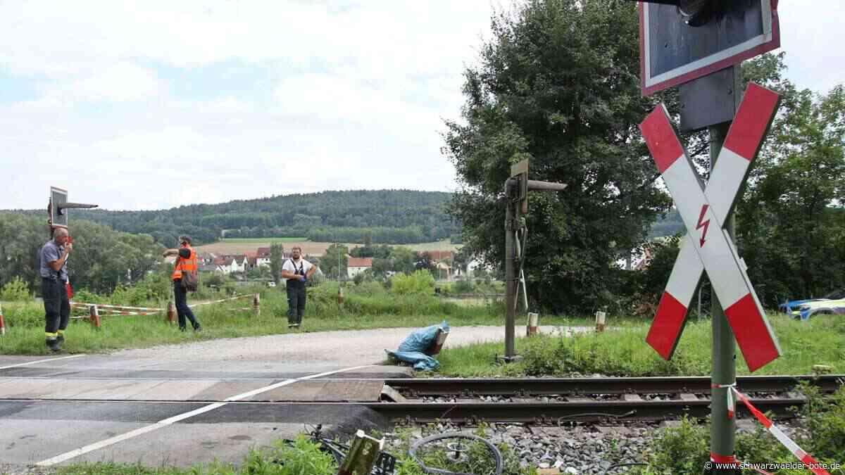 Tödlicher Unfall: Radfahrer in Baiersbronn von Zug erfasst und getötet - Baiersbronn - Schwarzwälder Bote