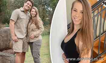 Bindi Irwin reveals she's 'getting close to the halfway point' of her pregnancy
