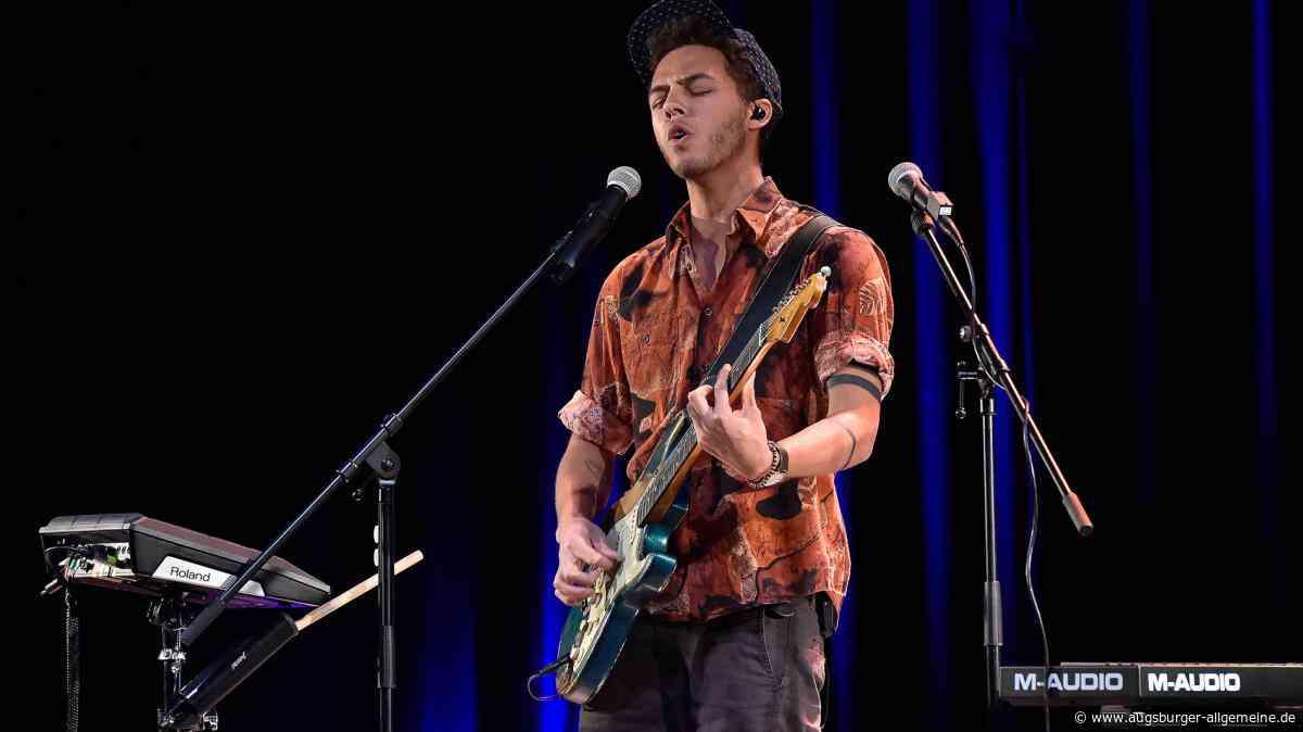 Landsberger Sänger Malik Harris auf dem New York Times Square - Augsburger Allgemeine