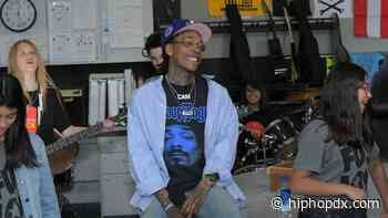 Wiz Khalifa Lights One Up & Skates With DoggFace208