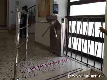 Teggiano: un tornello all'ingresso del municipio - Info Cilento