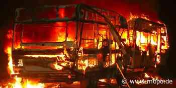Flammen-Inferno auf Sylt: Camperin rettet sich mit Sprung aus Wohnwagen-Fenster - Hamburger Morgenpost